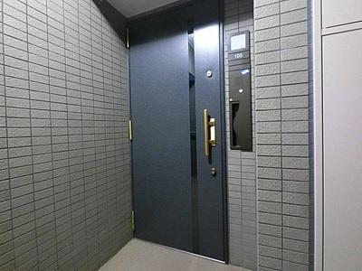 エレベーター付で上下階への移動も楽々です。