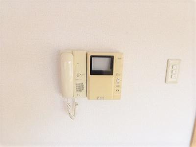 TV付きモニターホンでセキュリティ面も安心です