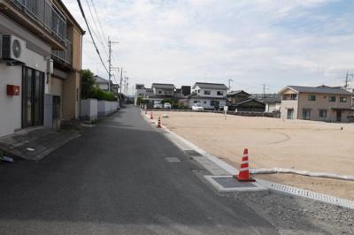 【前面道路含む現地写真】鉄砲町分譲地 1号地 64坪