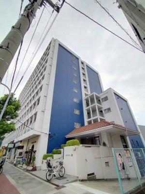 外観別角度です。10階建てのマンションの7階部分がお部屋になります。