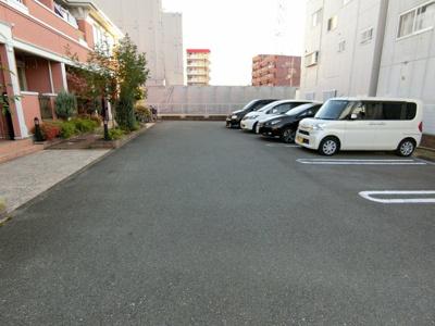 【駐車場】ジェルメ四宮
