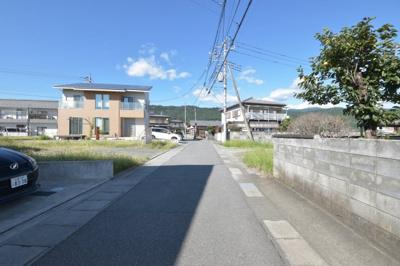 【前面道路含む現地写真】甲斐市島上条 売地