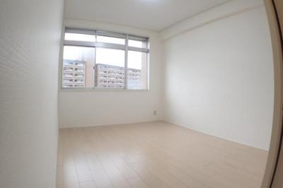 2階部分になる洋室です。
