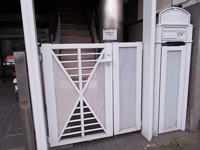 【エントランス】日経ビル