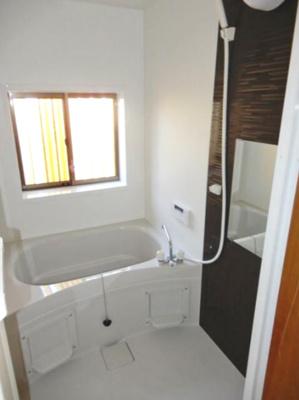【浴室】甲府市中小河原1丁目3号棟 中古住宅