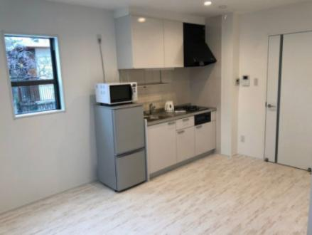 1R×4室・1DK×4室の計8室、2階建アパート! 全部屋に家電(冷蔵庫、エアコン、ケトル、電子レンジ、洗濯機)付!