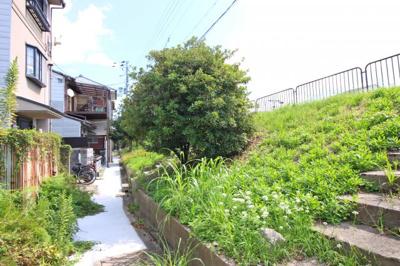 【前面道路含む現地写真】伏見区景勝町 注文建築 建築条件なし 土地