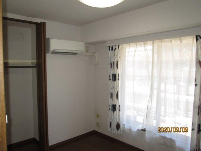 約8.1帖の主寝室