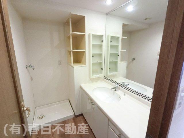 広々した使いやすい洗面室