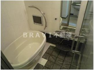 【ラフォーレ島之内Ⅰ】浴槽の形もオシャレです