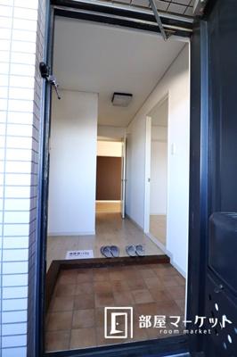 【玄関】イーストガーデンバラ館