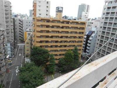 最上階のお部屋からは、新宿の街並みを一望できます。