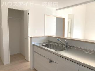 岐阜市中川原 新築戸建全2棟 平屋の4LDK+シューズクローゼット お車スペース3以上台可能