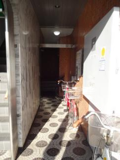 小林ビル 1F共用廊下