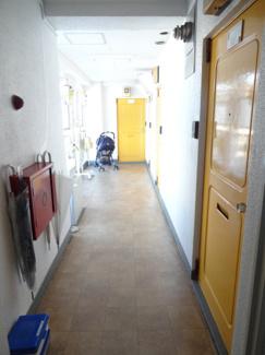 小林ビル 共用廊下