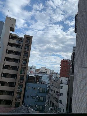 お住まいがある6階部分のバルコニーからの眺望です。