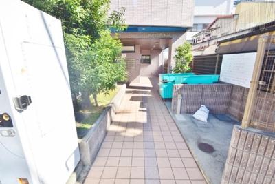 【エントランス】フィルハウス須賀
