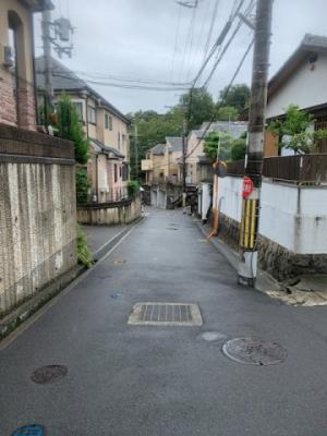 【前面道路含む現地写真】枚方市香里園桜木町中古戸建