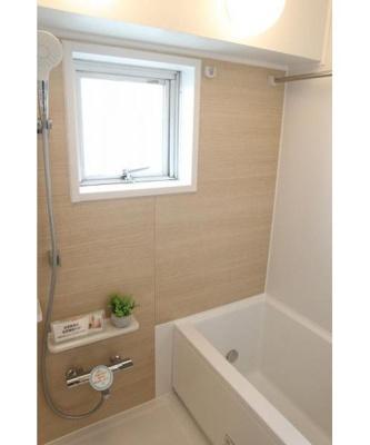 浴室換気乾燥機を装備、雨の日のお洗濯に便利です。