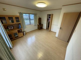 主寝室は大空間洋室でウオークインクローゼット付き