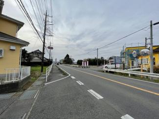 【前面道路含む現地写真】東金市求名 中古戸建 JR東金線(求名駅)