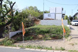 グランファミーロ生実町 建物が建つ高さは、道路と目線が合わない為、プライバシーを守る家づくりが出来ます。