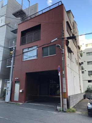大阪都心・北区に6LDKKの二世帯住宅向け物件です。 土地面積は広々約45坪♪