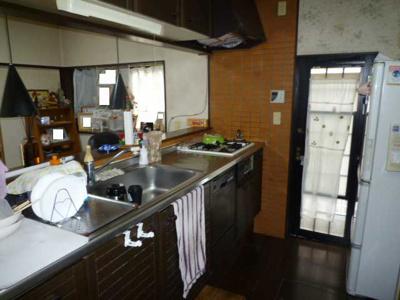 【キッチン】下吉田三丁目4番3号