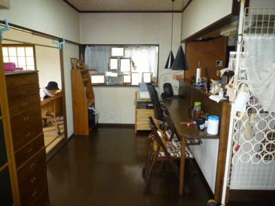 【居間・リビング】下吉田三丁目4番3号