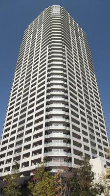 総戸数445戸の大規模タワーマンション・安心の免震構造です!