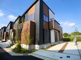 新京成線「高根公団」駅徒歩23分の全16棟の新築一戸建てです。