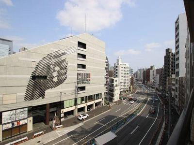 山手通り沿い、5階部分のお部屋からは目黒の街を一望できます。