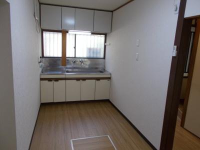 【キッチン】山手6丁目8-2貸家