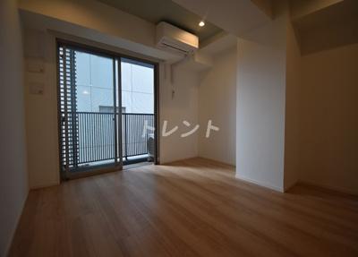 【居間・リビング】クレアツィオーネ浜松町