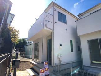 東葉高速線「飯山満」駅徒歩12分の全2棟の新築一戸建てです。