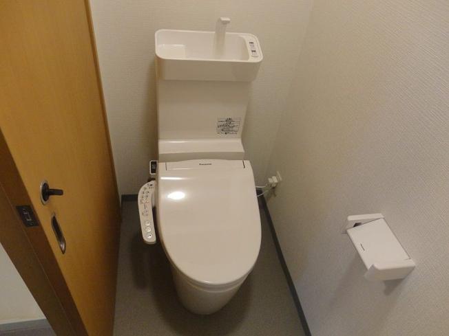 トイレはリフォーム済みで新品です♪水周りが新品だと気持ちよく使用できてうれしいですよね♪