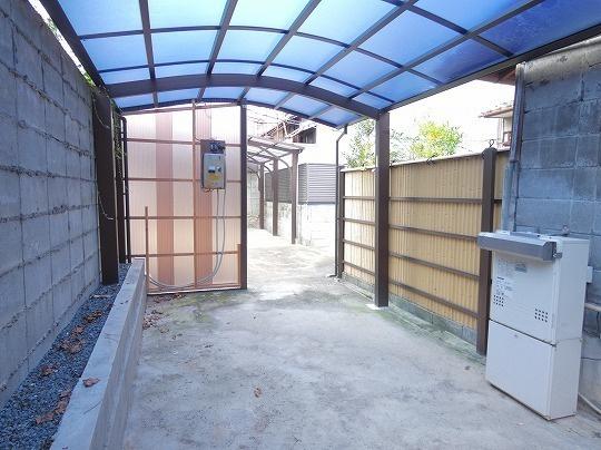 屋根付きスペース(南側)