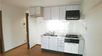【キッチン】なぎさニュータウン6号棟 70.47㎡ 空室