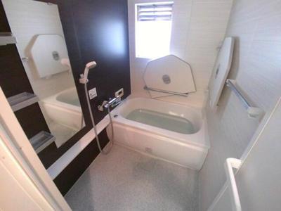 【浴室】なぎさニュータウン6号棟 70.47㎡ 空室