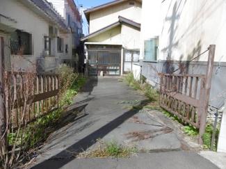 土地の入口