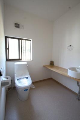 トイレはバリアフリー使用になっております