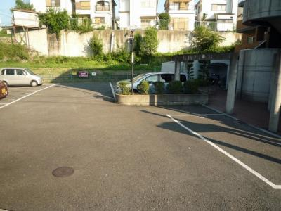 【駐車場】グランドローエ