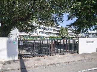 東久留米市立南中学校(約924m)