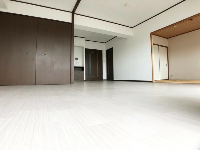 【居間・リビング】JGMシュリアン周船寺弐番館