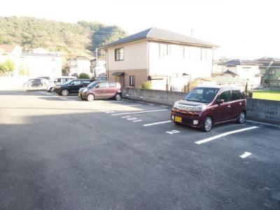 【駐車場】メゾン・エントピアⅡ・