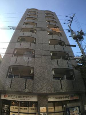 鉄筋コンクリート造で重厚感があります。