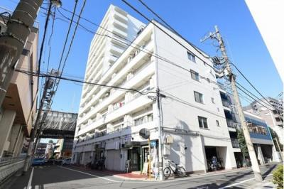 「板橋本町」駅徒歩1分と便利な立地のマンションです。
