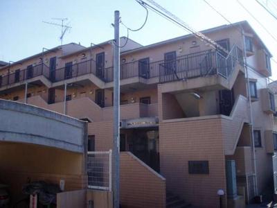片倉町駅徒歩10分のマンションです。