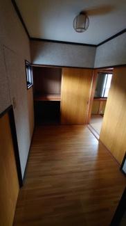 2階廊下と収納