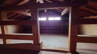 屋根裏部屋。普段使わない物はここに。